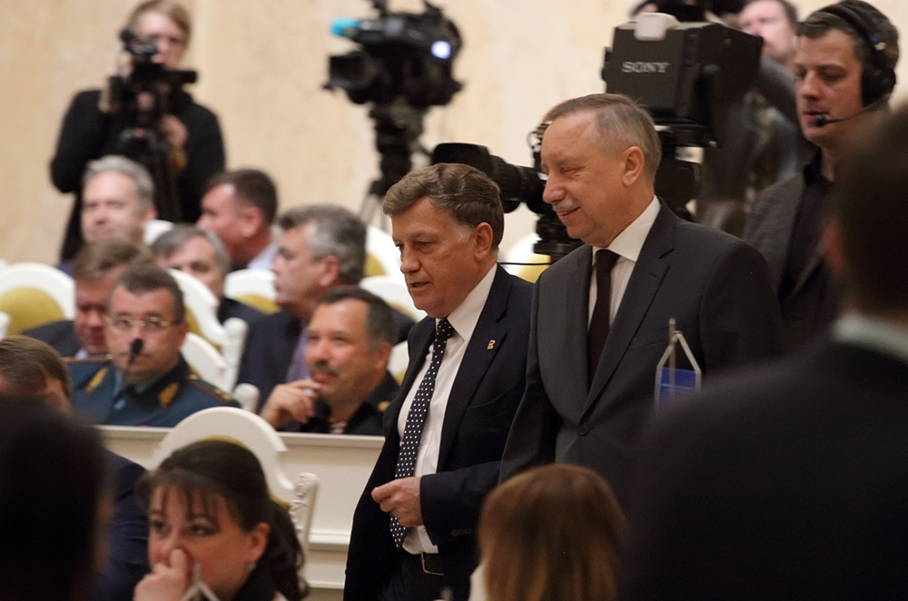 фото ЗакС политика В повестку первого осеннего заседания ЗакСа попал только один вопрос