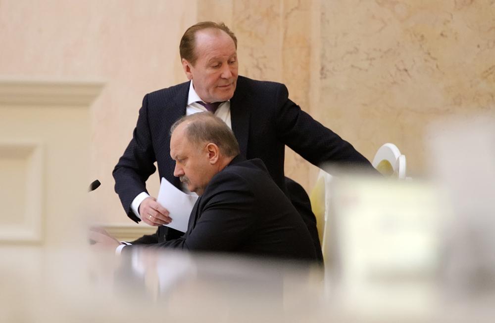 фото ЗакС политика Беглов объявил выговор трем вице-губернаторам из-за вырубки деревьев в Муринском парке