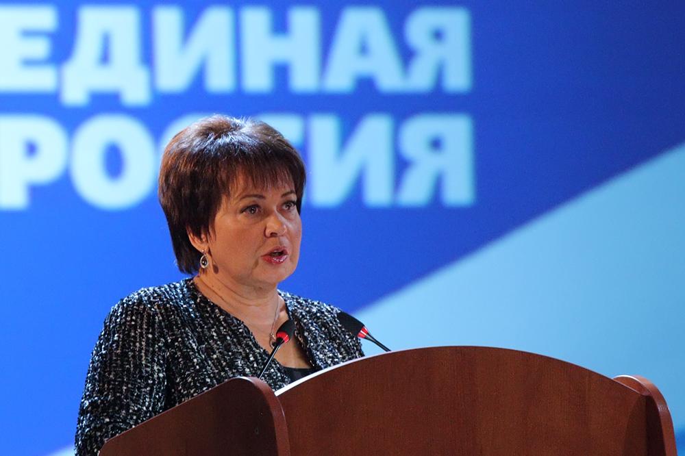 "фото ЗакС политика Совершаева взяла себе в ""молодые"" помощники главу МГЕР, гендиректора и президента фонда"