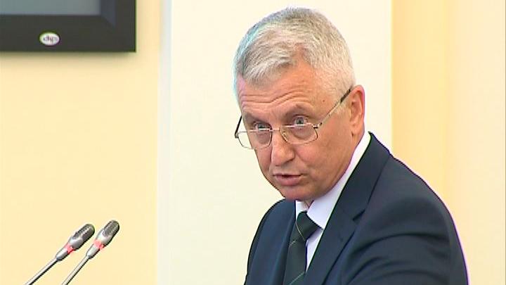 фото ЗакС политика Беглов принял отставку главы Жилищного комитета Валерия Шияна