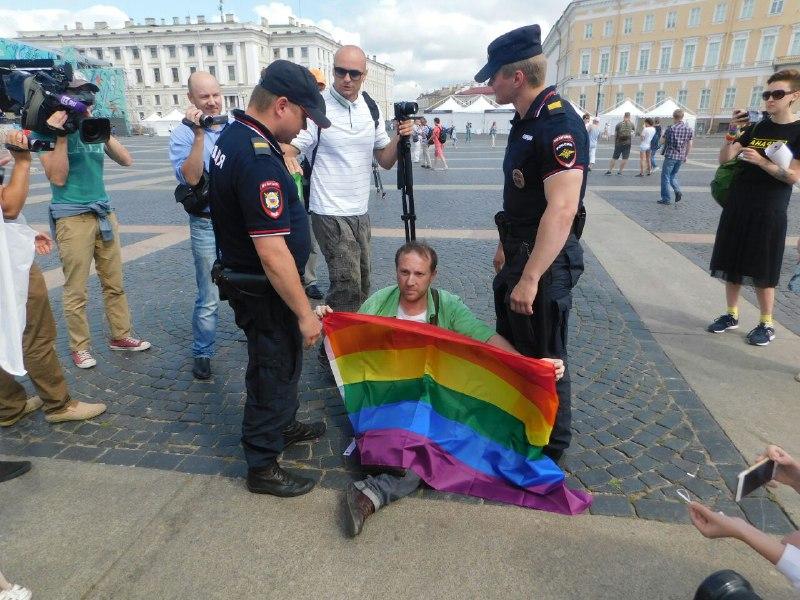 "фото ЗакС политика ""Welcome to Chechnya"": Американский телеканал HBO покажет фильм о притеснениях геев в Чечне"