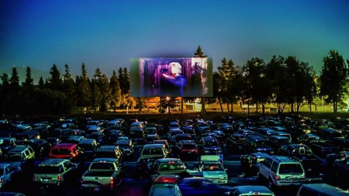 фото ЗакС политика В Петербурге появятся драйв-ин кинотеатры