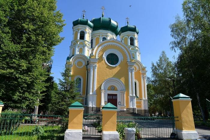 фото ЗакС политика Гатчинский собор Святых Петра и Павла отреставрируют за 212 млн рублей