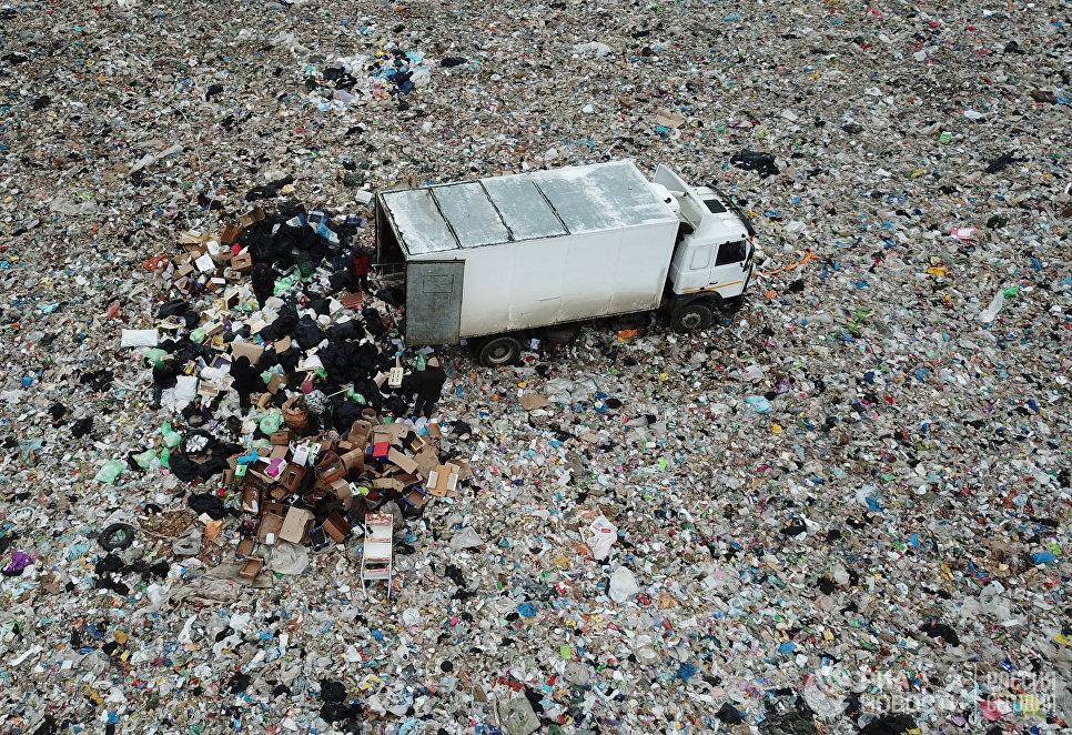фото ЗакС политика В Архангельской области мусорные перевозчики объявили забастовку