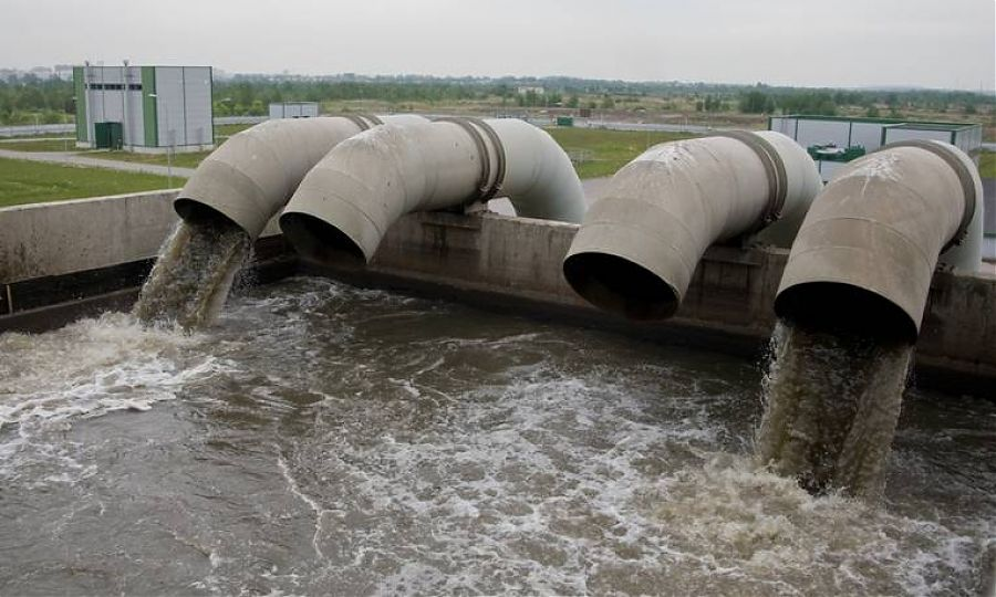 Всеволожских коммунальщиков наказали за загрязнение реки Охты