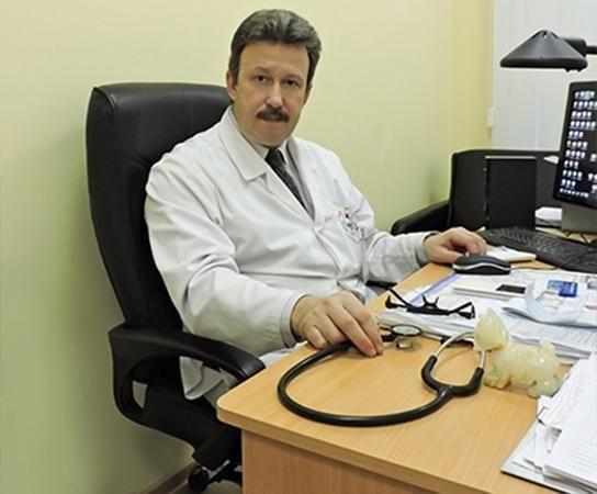 фото ЗакС политика Новым главврачом Введенской больницы стал Сергей Парцерняк