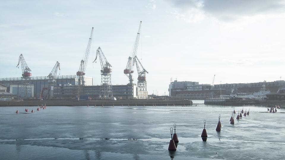 фото ЗакС политика В Мурманском порту за 5 млрд рублей возведут арктический кластер