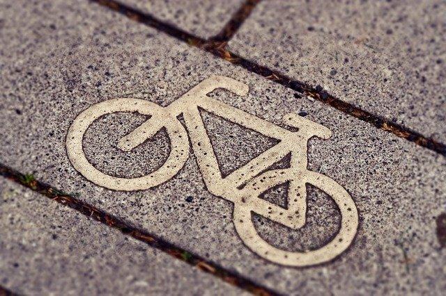 Вдоль проспекта Большевиков обустроят новую велодорожку за 15 млн рублей