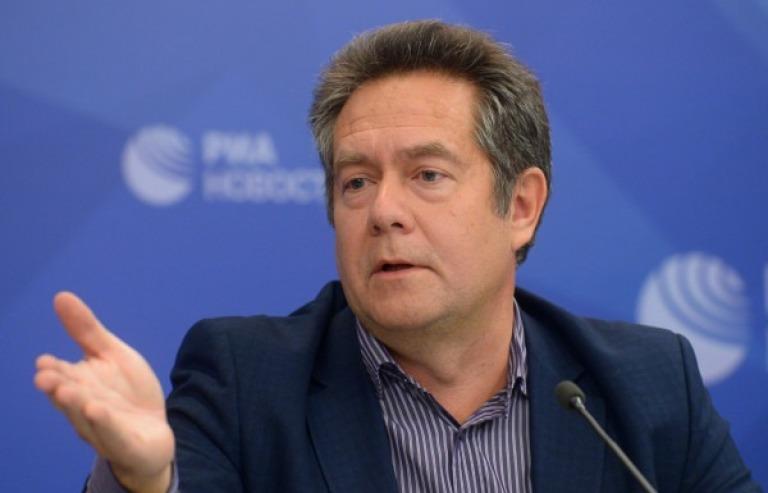 """фото ЗакС политика Столичный суд оставил лидера движения """"За новый социализм"""" Платошкина под арестом"""