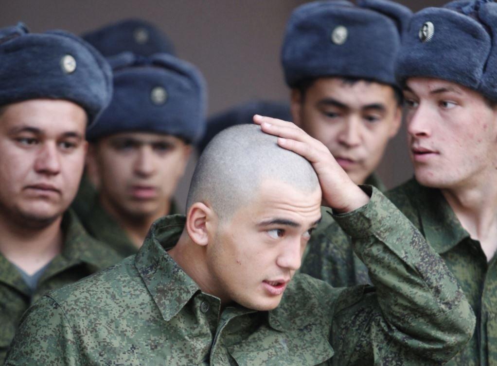 фото ЗакС политика В рамках весенне-летнего призыва в армию отправятся почти 3 тысячи петербуржцев