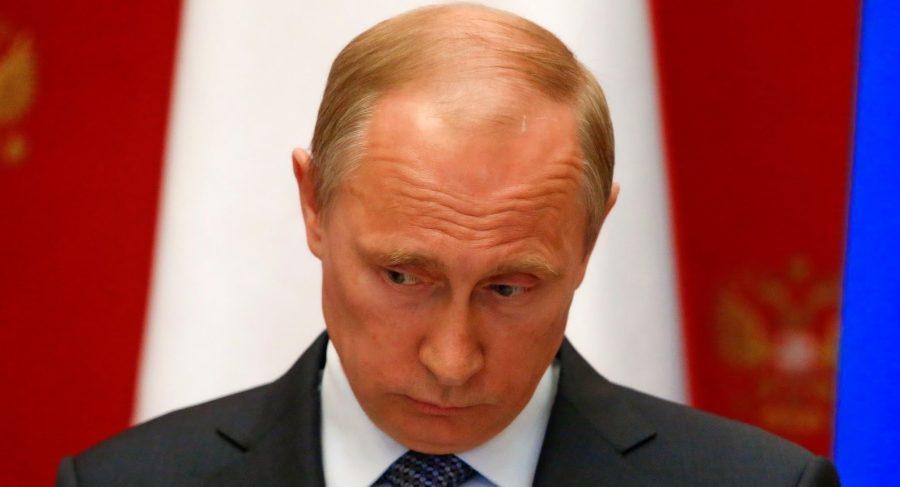 "фото ЗакС политика ""Левада"": В мае рейтинг доверия россиян Путину упал до 25%"