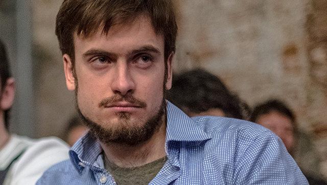 фото ЗакС политика В отношении Верзилова возбудили уголовное дело о двойном гражданстве