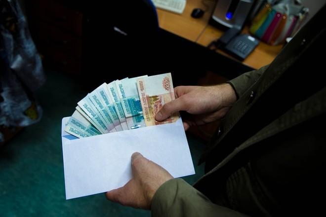 Петербургских сотрудников Госстройнадзора заподозрили в получении 8 млн взятки