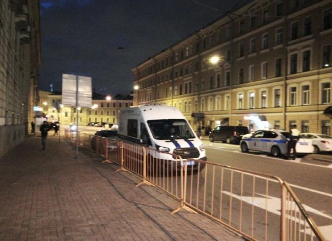 фото ЗакС политика Петербургским водителям, которые сигналят в поддержку белорусов, выписывают протоколы