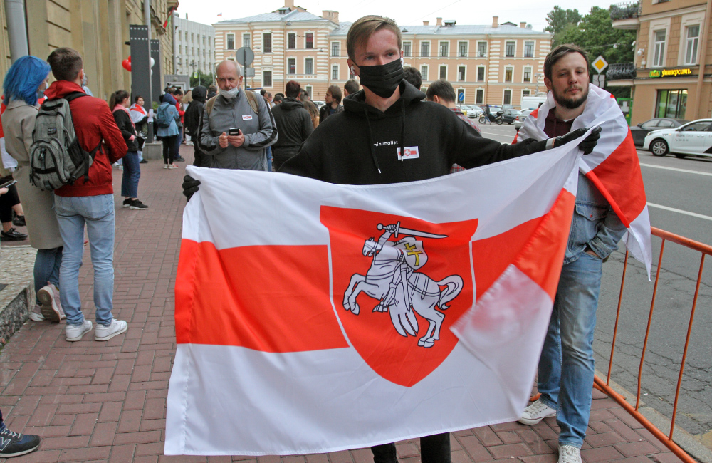 """фото ЗакС политика """"ОМОН бьет медработников"""": Волонтеры белорусских травмпунктов жалуются на побои силовиков"""