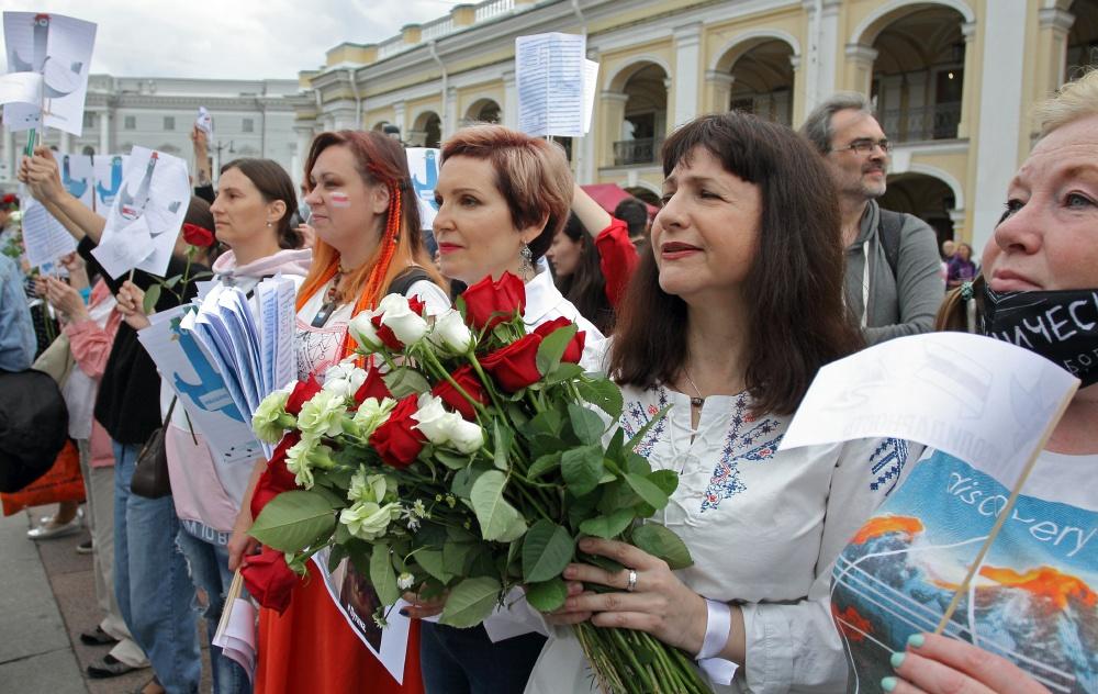 В Петербурге на семь суток арестовали участницу акции в поддержку белорусов