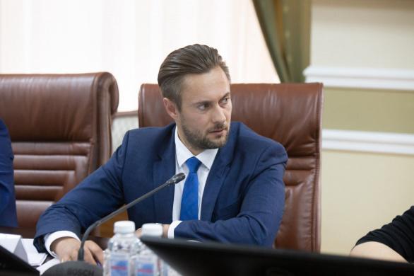 Глава комитета по природопользованию отчитался о доходе в 1,7 млн рублей
