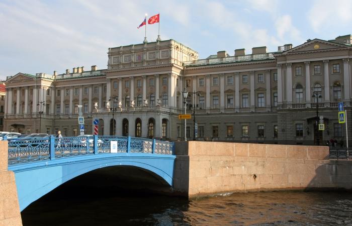 фото ЗакС политика Заседание Заксобрания началось с гимна Санкт-Петербурга