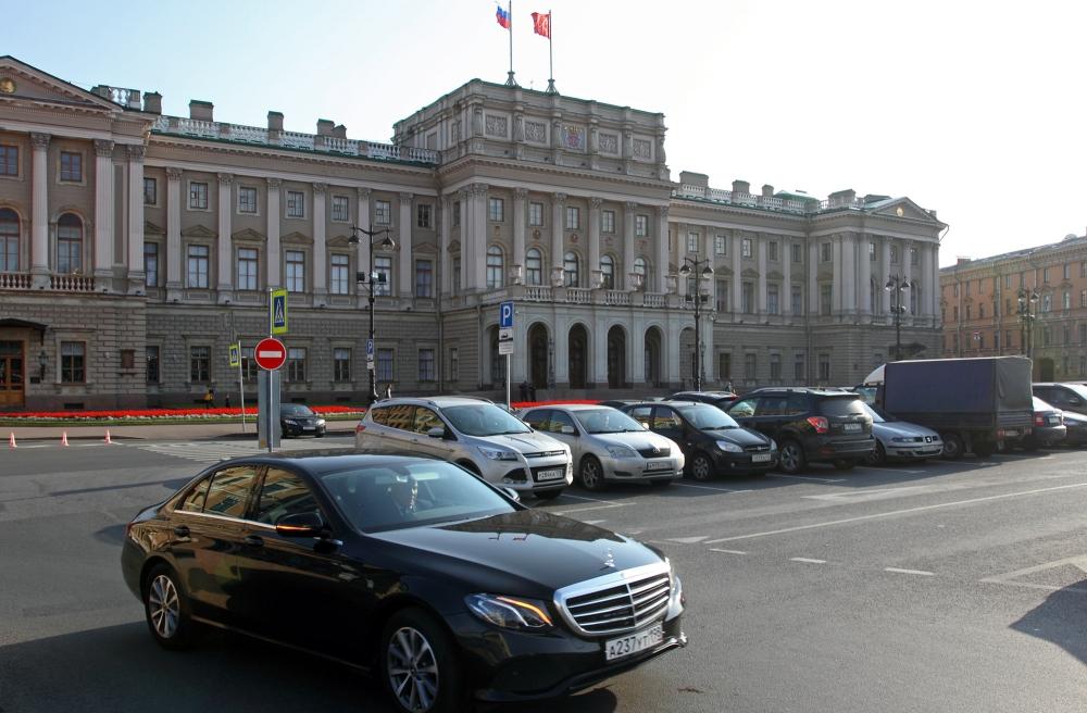 фото ЗакС политика Мундепы Петербурга смогут не ходить на работу до шести раз в месяц