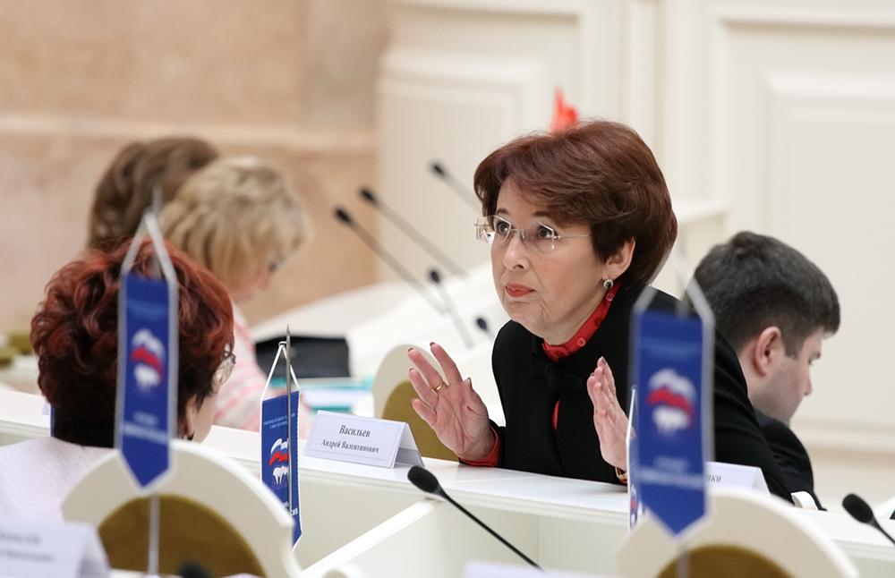 фото ЗакС политика Дмитриева призвала Беглова передать гостиницы для размещения врачей