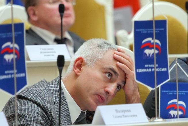 фото ЗакС политика Петербургского депутата Коваля оставили под арестом