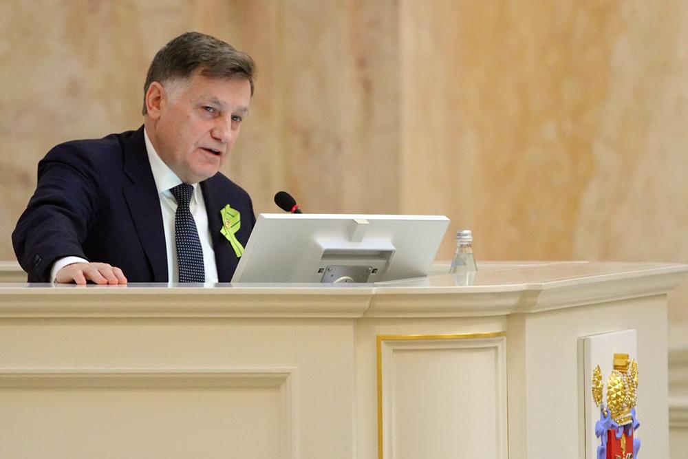 """фото ЗакС политика """"У отдельных есть желание вытолкнуть меня из ЗакСа"""": Макаров не намерен участвовать в грядущих выборах в Госдуму"""