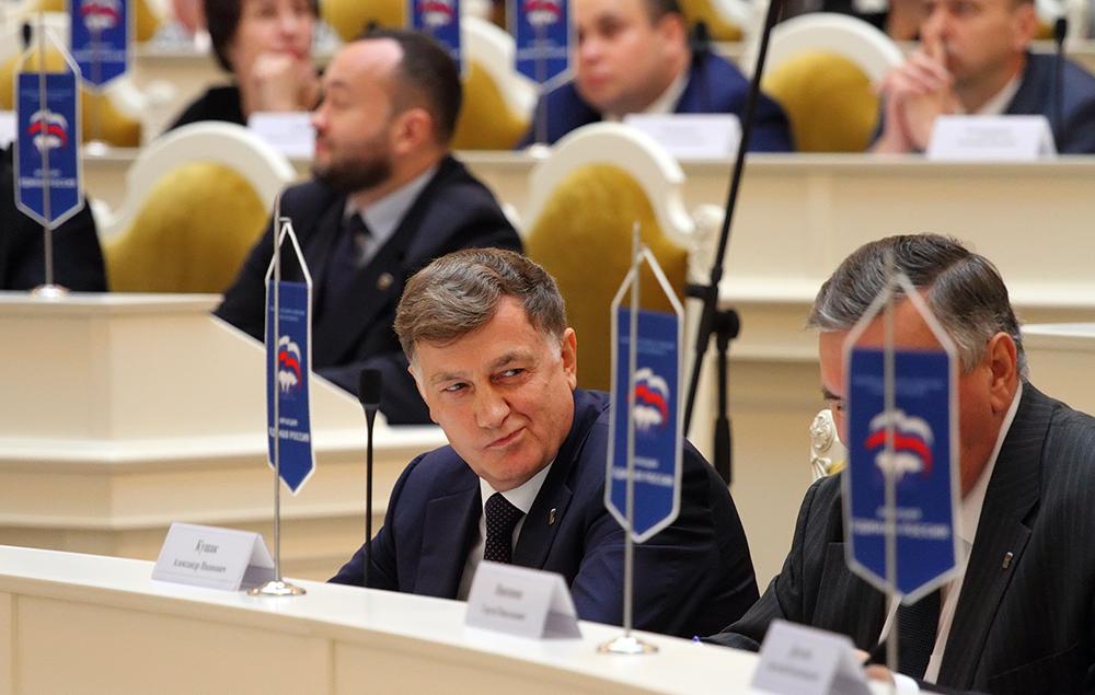 """фото ЗакС политика """"Буду купаться и плавать"""": Макаров рассказал о планах на Крещение"""