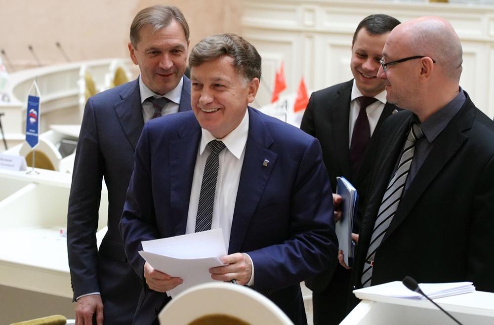 фото ЗакС политика Спикер ЗакСа Макаров отчитался о 4,1 млн рублей годового дохода