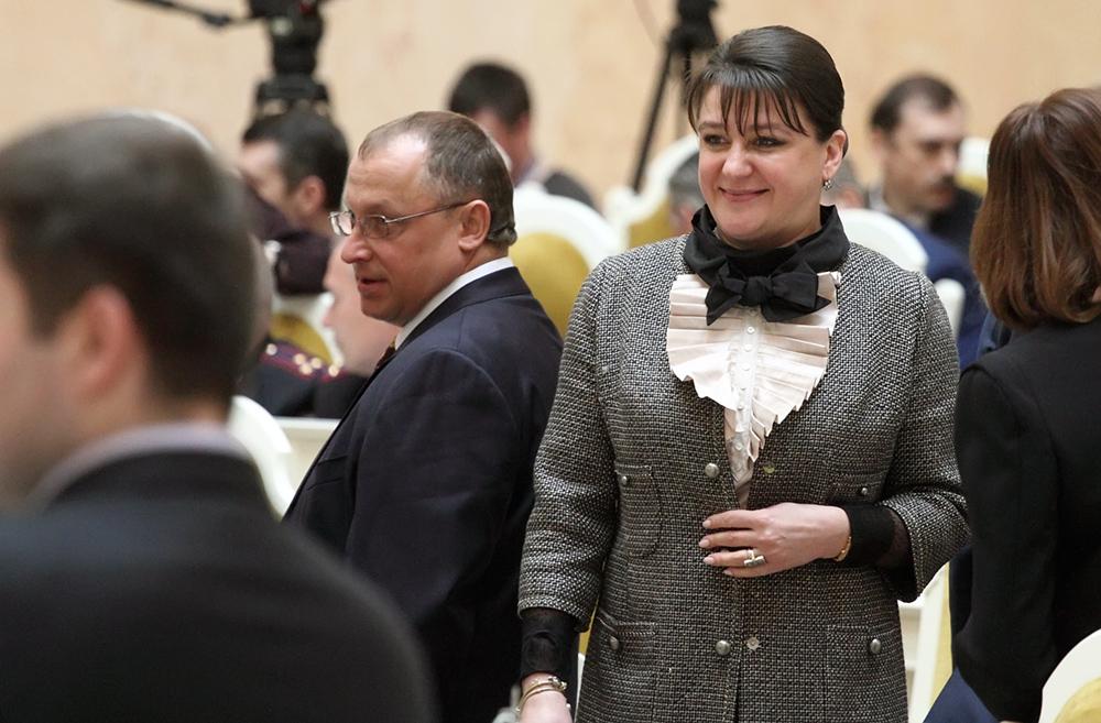 фото ЗакС политика Петербургские депутаты хотят включить в список запрещенных сайтов страницы торговцев стероидами