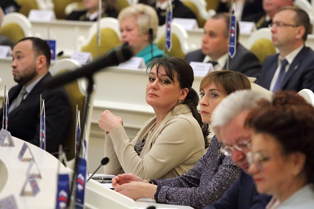 фото ЗакС политика Депутат ЗакСа Анастасия Мельникова заразилась коронавирусом