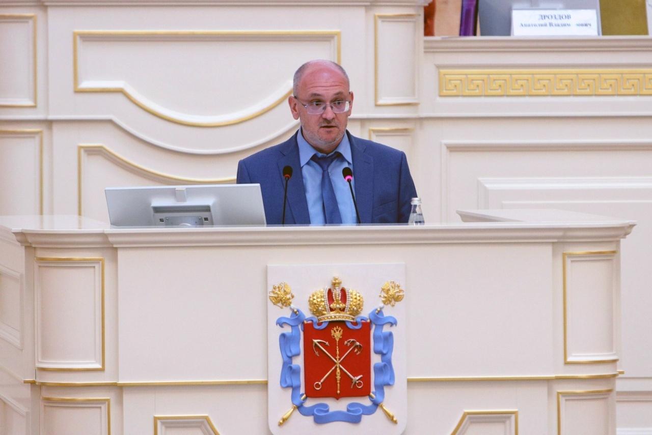 фото ЗакС политика Резник раскритиковал конституционную реформу с трибуны ЗакСа