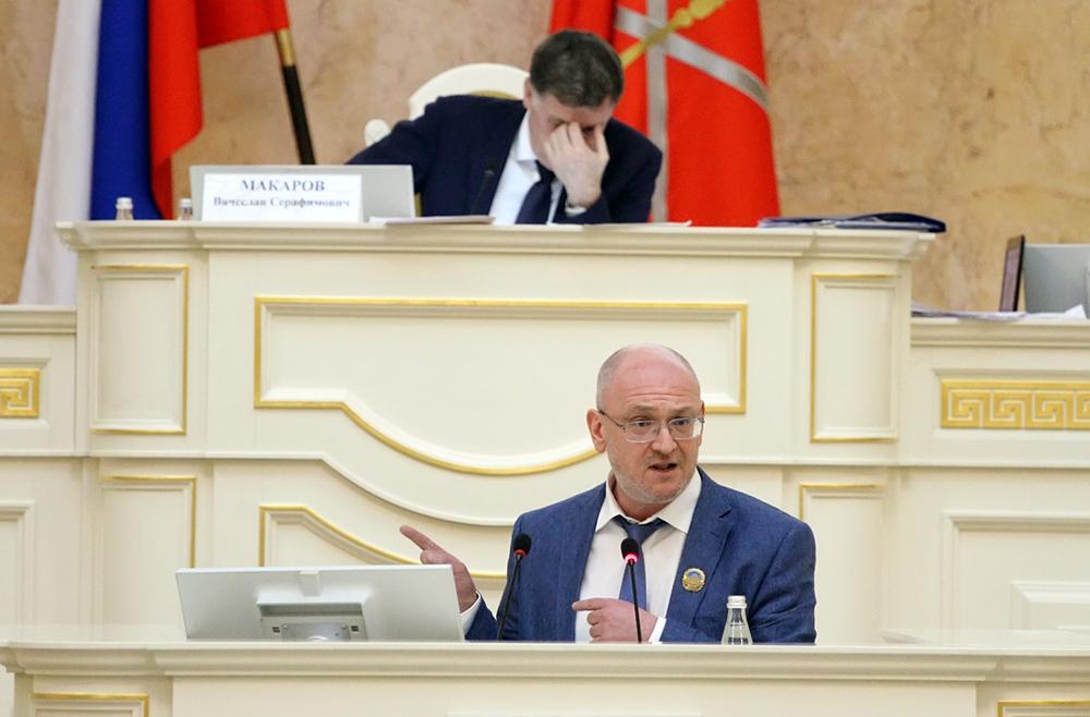 фото ЗакС политика Резнику четырежды выключили микрофон, пока он высказывался о коррупции в ЗакСе