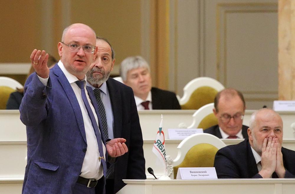 фото ЗакС политика Петербургские депутаты раскритиковали идею проводить всенародное голосование 22 апреля