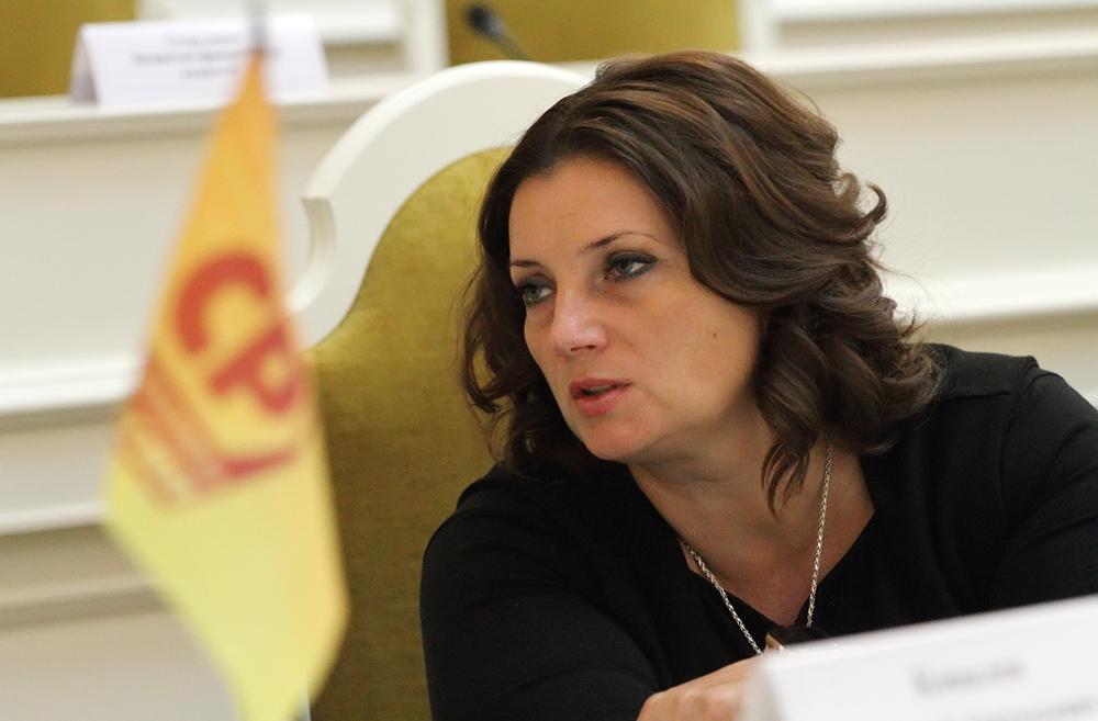 фото ЗакС политика Петербургские депутаты не стали увеличивать сумму компенсаций для первоклассников из многодетных семей