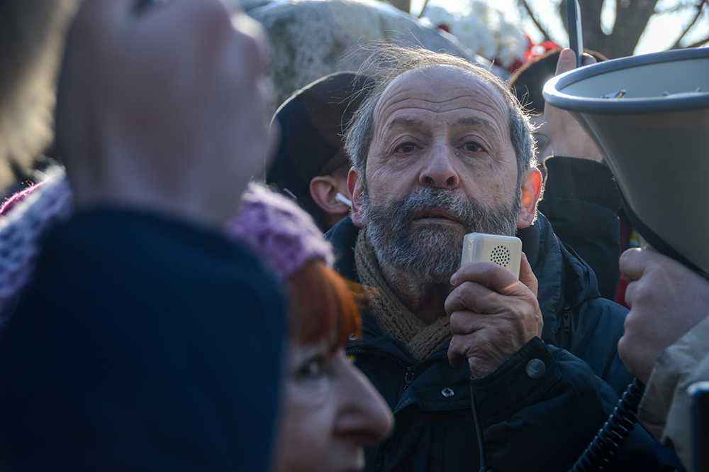 """фото ЗакС политика Вишневский просит распространить """"коронавирусные"""" выплаты медикам на сотрудников ПНИ"""