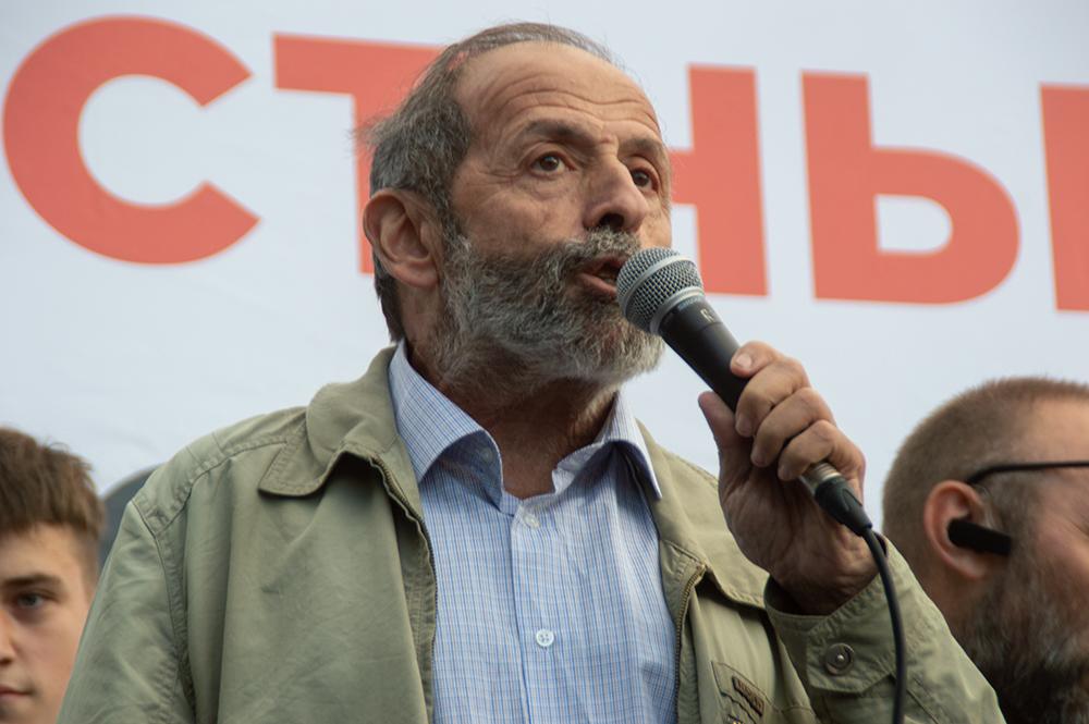 фото ЗакС политика Вишневский считает, что выборы в Госдуму могут пройти досрочно