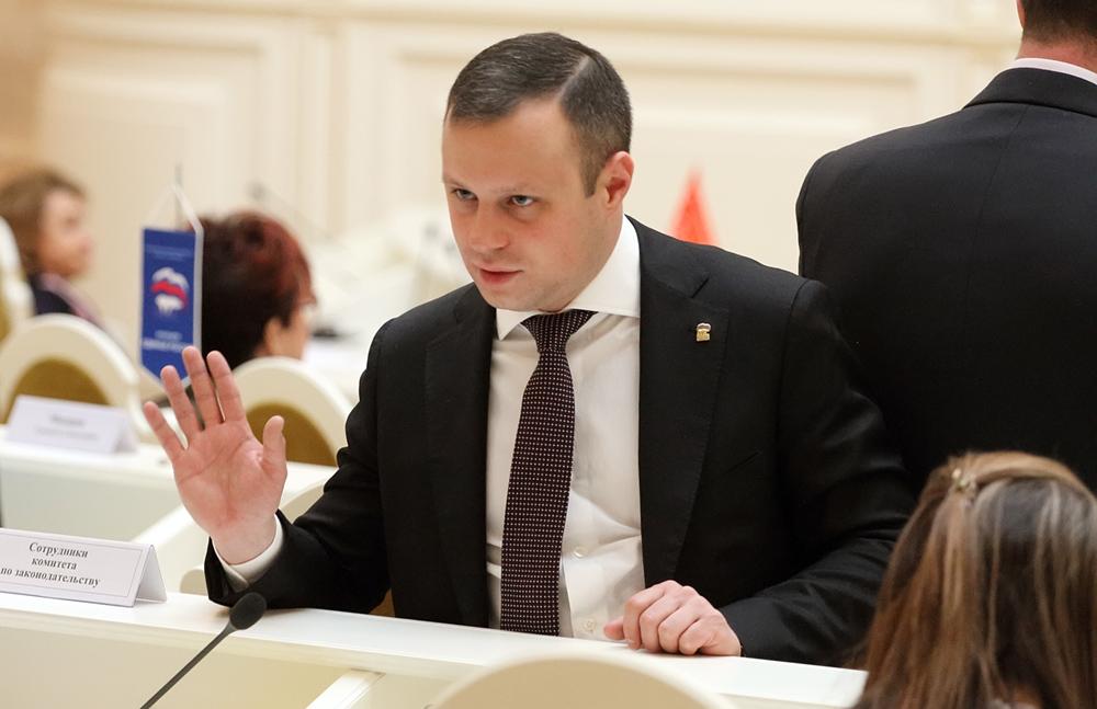 фото ЗакС политика ЗакС предложил штрафы до полумиллиона рублей за перекрытие мусорных площадок