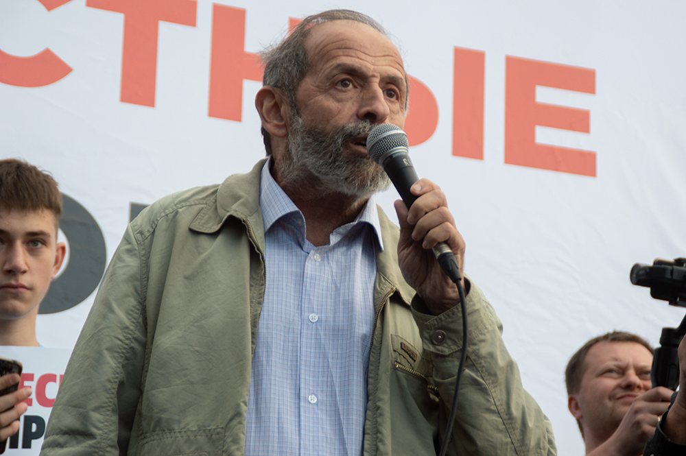 Вишневский внёс 38 своих поправок в закон о ЗНОП