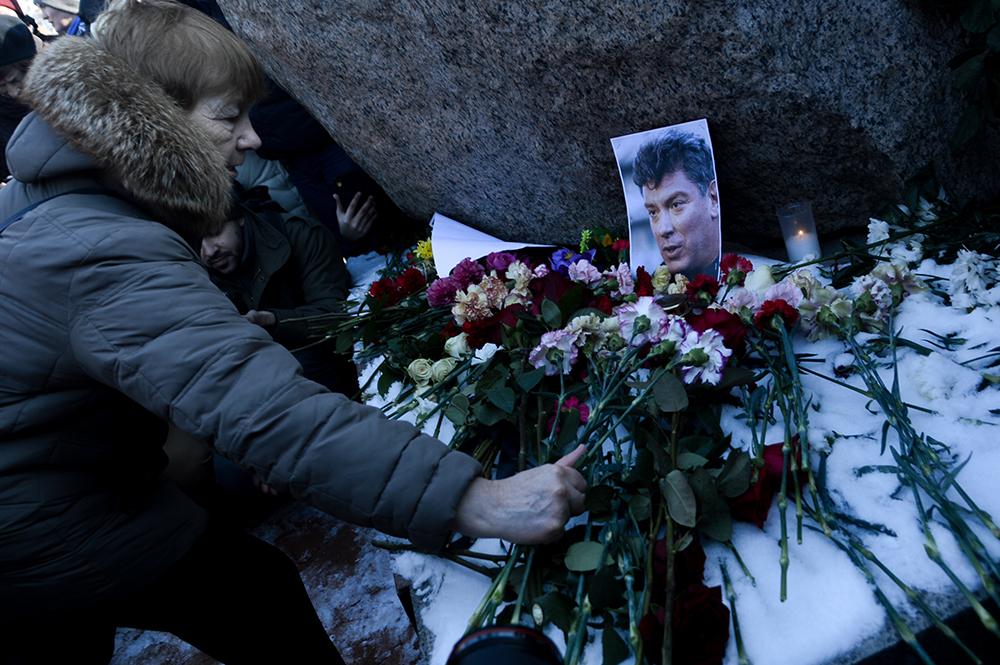 Петербургские активисты получили предостережения перед днем памяти Немцова