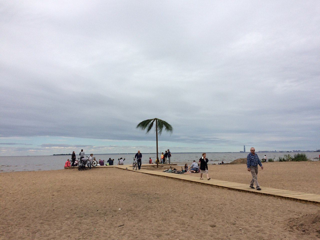 Чиновники Смольного заявили о несуществовании Жемчужного пляжа