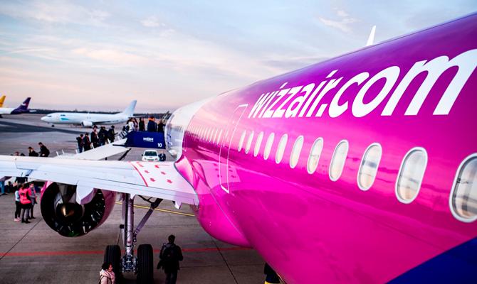 фото ЗакС политика Лоукостер Wizz Air запустит новые направления из Петербурга летом