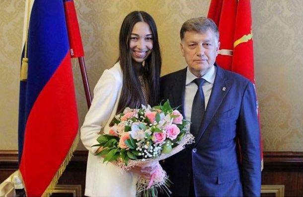 фото ЗакС политика Юлия Шик будет претендовать на должность детского омбудсмена Петербурга