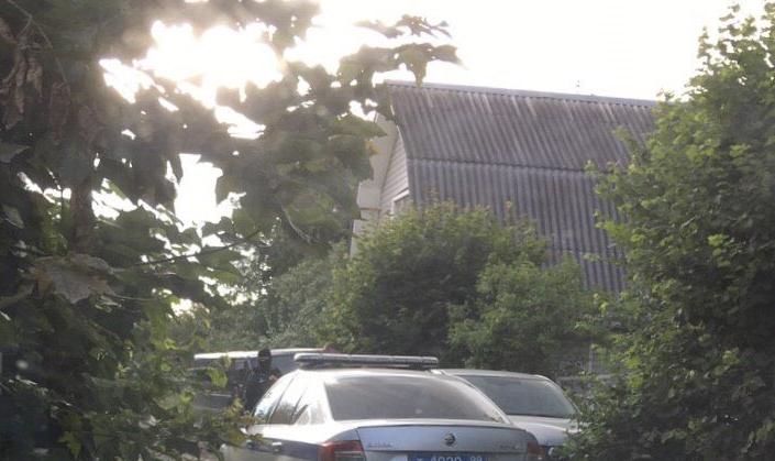 Правоохранители пришли с обыском к Галяминой на дачу