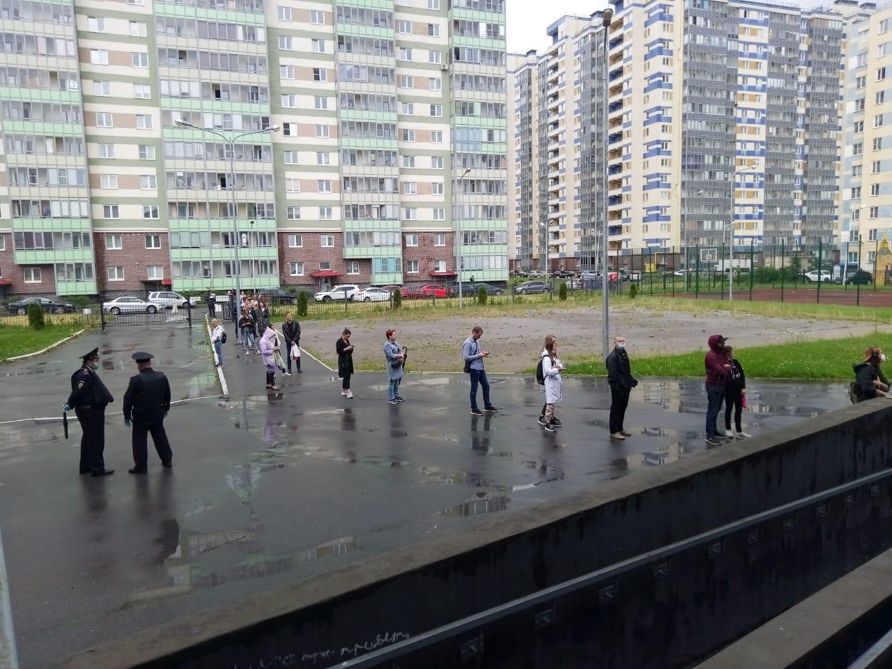 фото ЗакС политика Несколько десятков жителей Кудрово не успели проголосовать