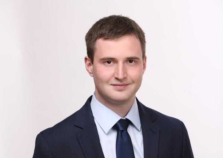 """фото ЗакС политика Главу петербургского """"Альянса учителей"""" Кена отпустили с подпиской о невыезде"""