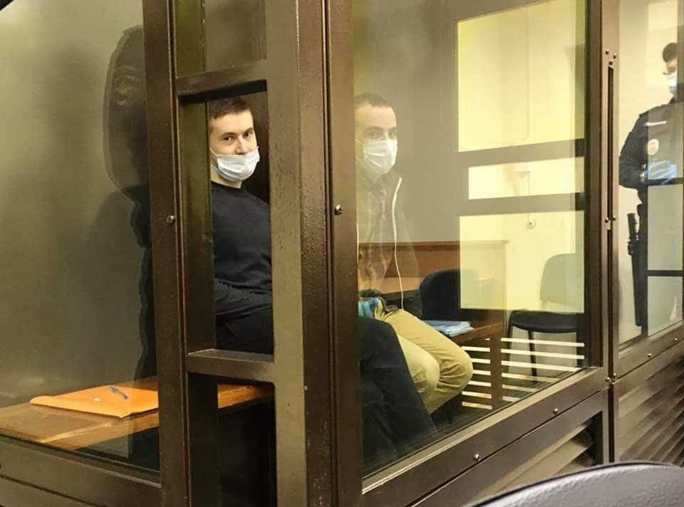 """Суд приговорил петербургских фигурантов дела """"Сети""""* к 5,5 и 7 годам колонии"""