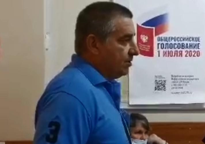 фото ЗакС политика Наблюдатель УИК №2191 и экс-депутат Абрамов сомневается, что у Френкеля сломана рука