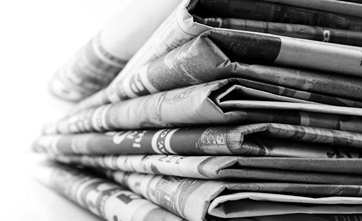 фото ЗакС политика Оставшихся без доходов журналистов в Мурманской области устроили дворниками