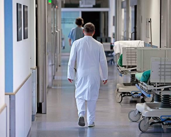 фото ЗакС политика Александровская больница полностью переходит на прием пациентов с коронавирусом