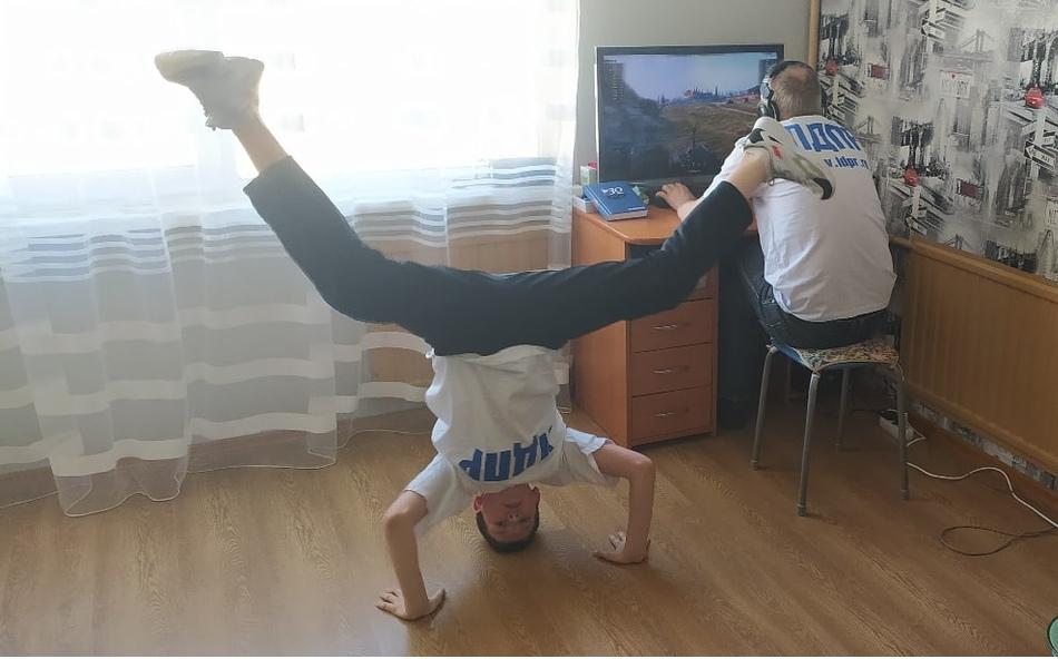 фото ЗакС политика ЛДПР объявила конкурс для самоизолировавшихся петербуржцев